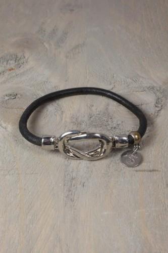 Lederen armband met magneetsluiting