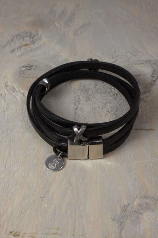 Dubbele lederen armband met magneetsluiting
