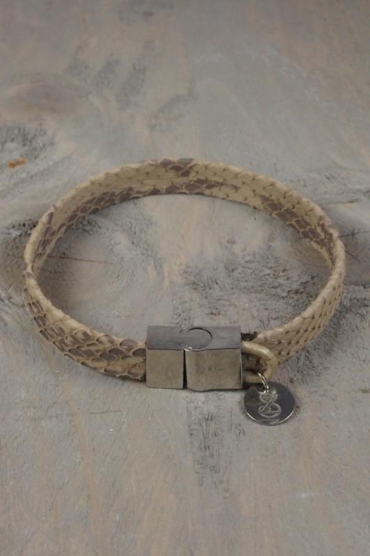Lederen armband met slangenprint