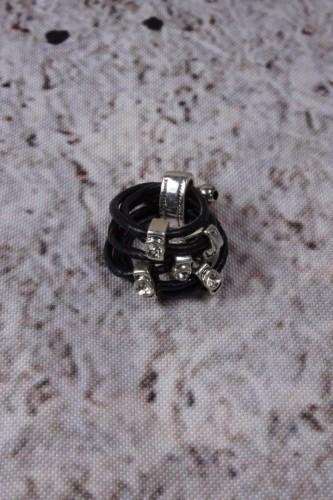Ring zwart zilverkleurig